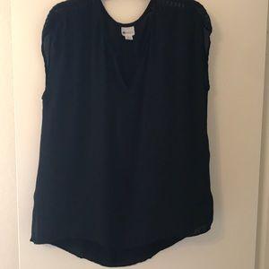 women's black blouse
